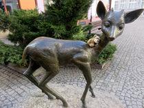 Bär mit Reh von Olga Sander