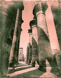 the colonnade of Amenophis III Luxor Temple Egypt von Sean Burke