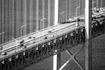 Brückenleben in schwarz-weiß by flylens