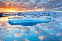 Icebergs in Jökulsárlón glacier lake at sunset by Sara Winter