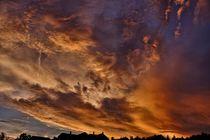 Sonnenuntergang mit roten Wolken von Jörg Hoffmann