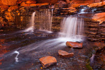 Small waterfall in the Hancock Gorge, Karijini NP, Western Australia von Sara Winter