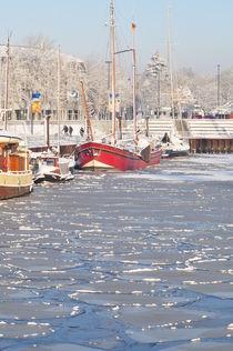 schiff im eis von Edmond Marinkovic