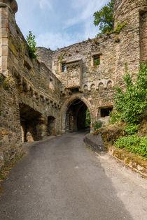 Schloss Dhaun-inneres Tor by Erhard Hess