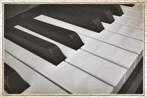 Play me an old song von leddermann
