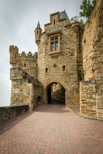 Schloss Dhaun-Haupteingang by Erhard Hess
