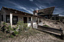 Abandoned House on the beach  Aguas Dulces von Diana C. Bernardi