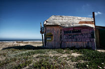 The surfer ́s paradise is a cabana - abandoned at wintertime von Diana C. Bernardi