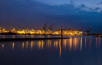Hamburger Hafen by attiapictures
