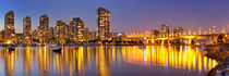 Vancouver, British Columbia, Canada skyline across the water at night von Sara Winter