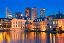 The Binnenhof in The Hague, The Netherlands at night von Sara Winter