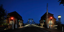 Kaiser Wilhelm Brücke bei Nacht by Rolf Müller