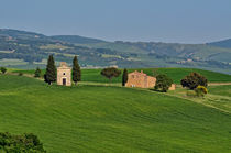 kleine Kapelle - Toskana von Peter Bergmann
