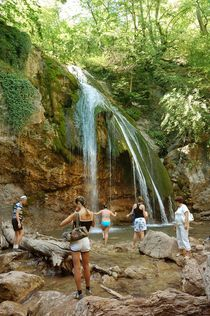 Waterfall Jur-Jur, Crimea von Yuri Hope