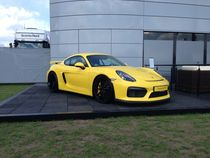 Porsche Cayman GT4  by Alexander Tullius