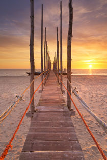 Seaside jetty at sunrise on Texel island, The Netherlands von Sara Winter