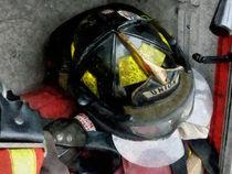 Fireman - Fire Fighter's Helmet Closeup von Susan Savad