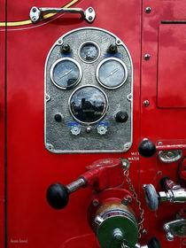 Firemen - Gauges on Vintage Fire Truck von Susan Savad