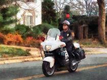 Motorcycle Cop on Patrol von Susan Savad