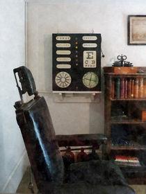 Eye Doctor's Office With Eye Chart von Susan Savad