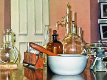 Sig-mortarandpestleinperfumeshop