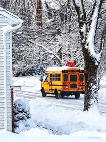 On the Way to School in Winter von Susan Savad