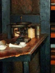 Pan Balance and Alum von Susan Savad