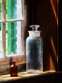 Reagent Bottle and Small Brown Bottle von Susan Savad