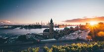 Sonnenuntergang an den Landungsbrücken by Sascha Neuroth