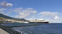 Hafen von La Palma mit QM 2 by monarch