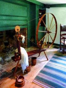 Large Spinning Wheel von Susan Savad
