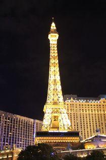 Der Glamour des Eifelturms Paris in Las Vegas bei Nacht by ann-foto