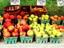 Apples at Farmer's Market von Susan Savad