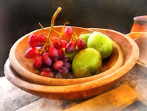 Bowl of Red Grapes and Pears by Susan Savad
