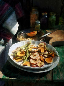 Plate of Dried Fruits and Vegetables von Susan Savad