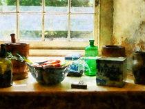 Bowl of Vegetables and Green Bottle von Susan Savad