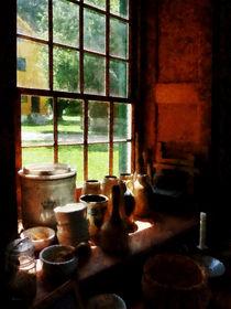 Clay Jars on Windowsill von Susan Savad