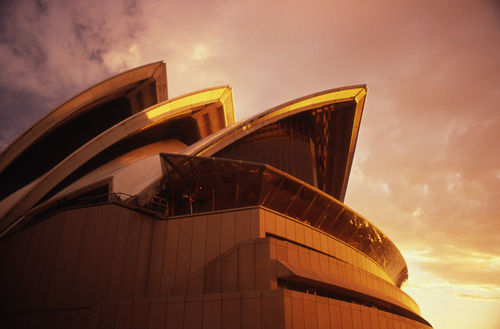 C-194-dot-32-sydney-opera-house-e1