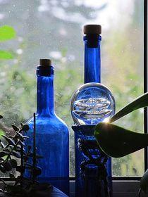 Blaue Flaschen von Angelika  Schütgens
