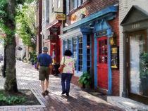 Alexandria VA - Strolling Down King Street von Susan Savad