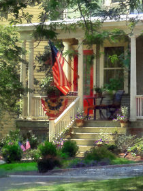 House With Bunting and Flag von Susan Savad