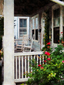 Roses and Rocking Chairs von Susan Savad