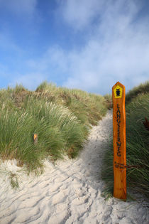 Strandzugang by Jens Uhlenbusch