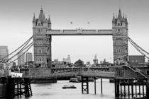 London ... Tower Bridge IV von meleah