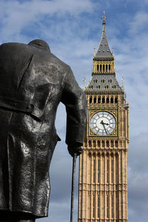 London-big-ben-and-churchill-statue