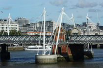 London ... Hungerford Bridge by meleah