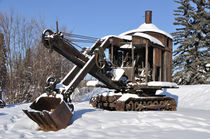 Historic Mining Steam Shovel During Alaska Winter von Gary Whitton