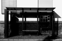 An der Bushaltestelle  by Bastian  Kienitz