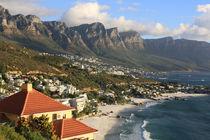 Küste von Kapstadt und Tafelberg in Südafrika von mellieha