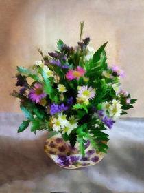Magenta and White Mum Bouquet von Susan Savad